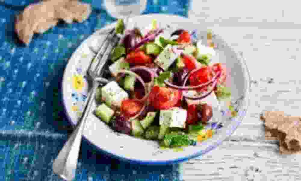 Ξέρουν οι Έλληνες να φτιάχνουν σαλάτα;